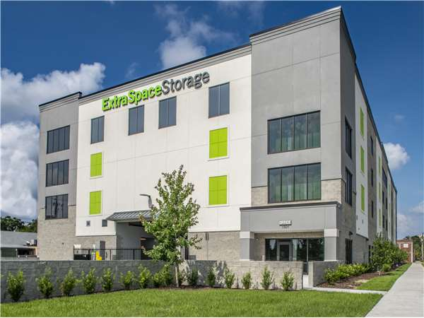 Image of Extra Space Storage Facility on 1501 2nd Ave N in St Petersburg, FL