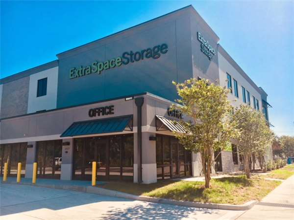 Image of Extra Space Storage Facility on 4907 W Cypress St in Tampa, FL