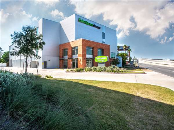 Image of Extra Space Storage Facility on 5656 N IH 35 in Austin, TX