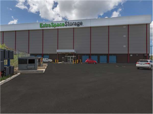 Image of Extra Space Storage Facility on Bechara Ind Park 25 Calle Blay in San Juan, PR