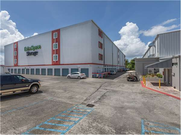 Image of Extra Space Storage Facility on Carr 190 Esq Ave Campo Rico Zona Industrial La Ceramica in Carolina, PR