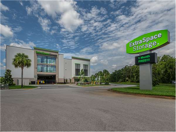 Image of Extra Space Storage Facility on 3280 Vineland Rd in Kissimmee, FL