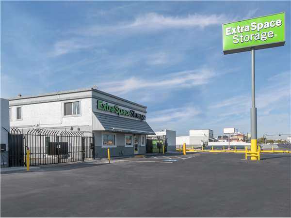 Image of Extra Space Storage Facility on 4180 Boulder Hwy in Las Vegas, NV