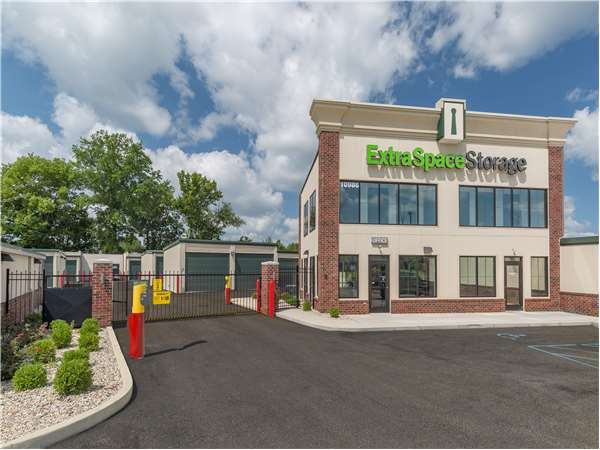 Image of Extra Space Storage Facility on 10986 Allisonville Office Dr in Fishers, IN