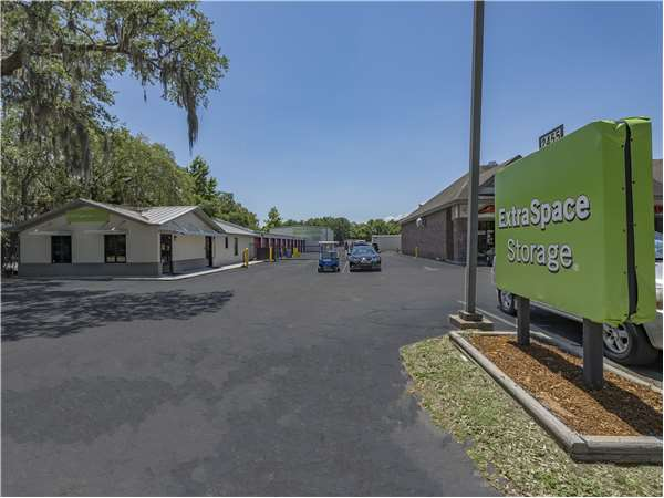 Image of Extra Space Storage Facility on 2455 Ashley River Rd in Charleston, SC