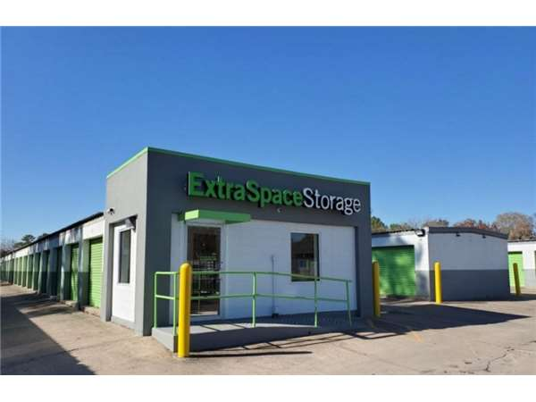 Image of Extra Space Storage Facility on 7007 S Lake Houston Pkwy in Houston, TX
