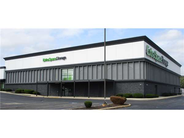 Image of Extra Space Storage Facility on 515 W Lincoln Hwy in Chicago Heights, IL