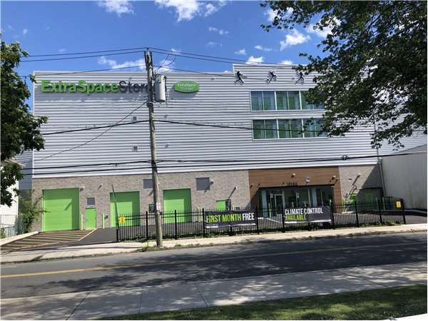 Image of Extra Space Storage Facility on 479 5th Ave in New Rochelle, NY